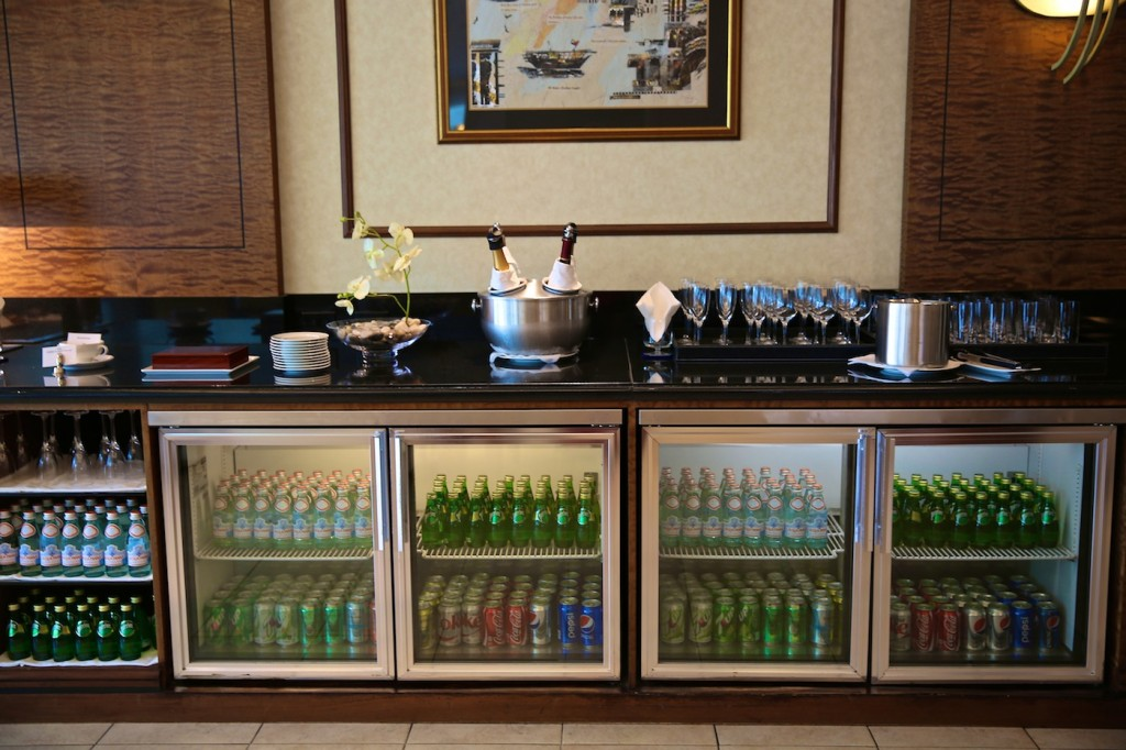 Emirates_Lounge_Bar