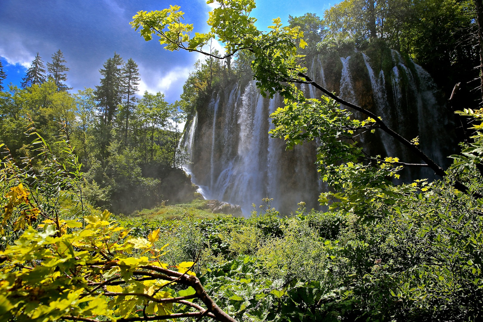 PlitviceLakes_Waterfal