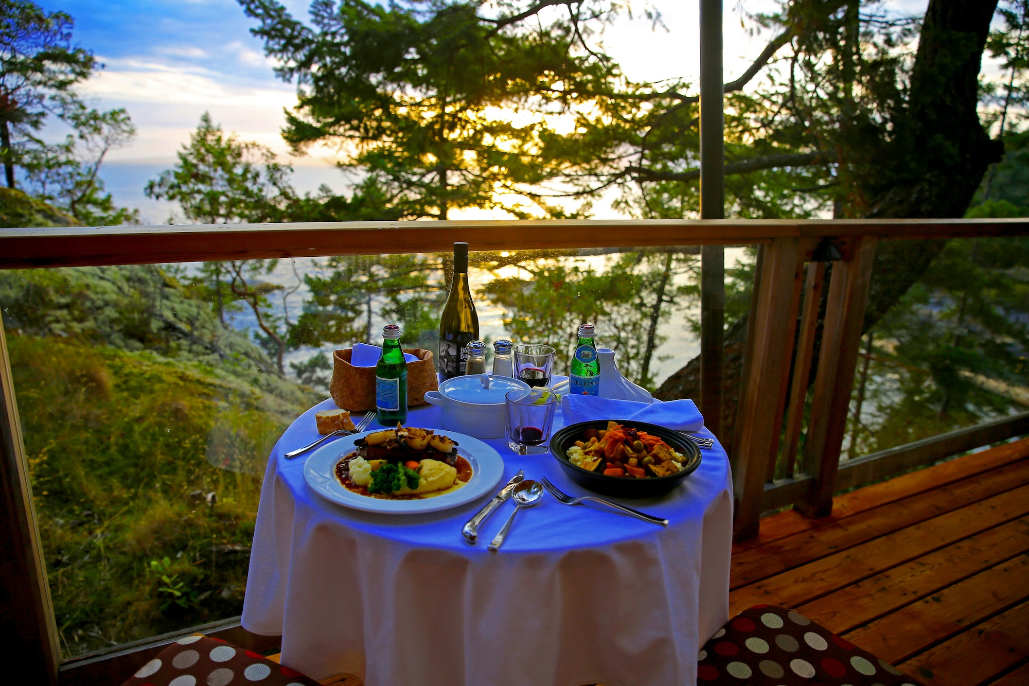 Rock_Water_Resort_dining