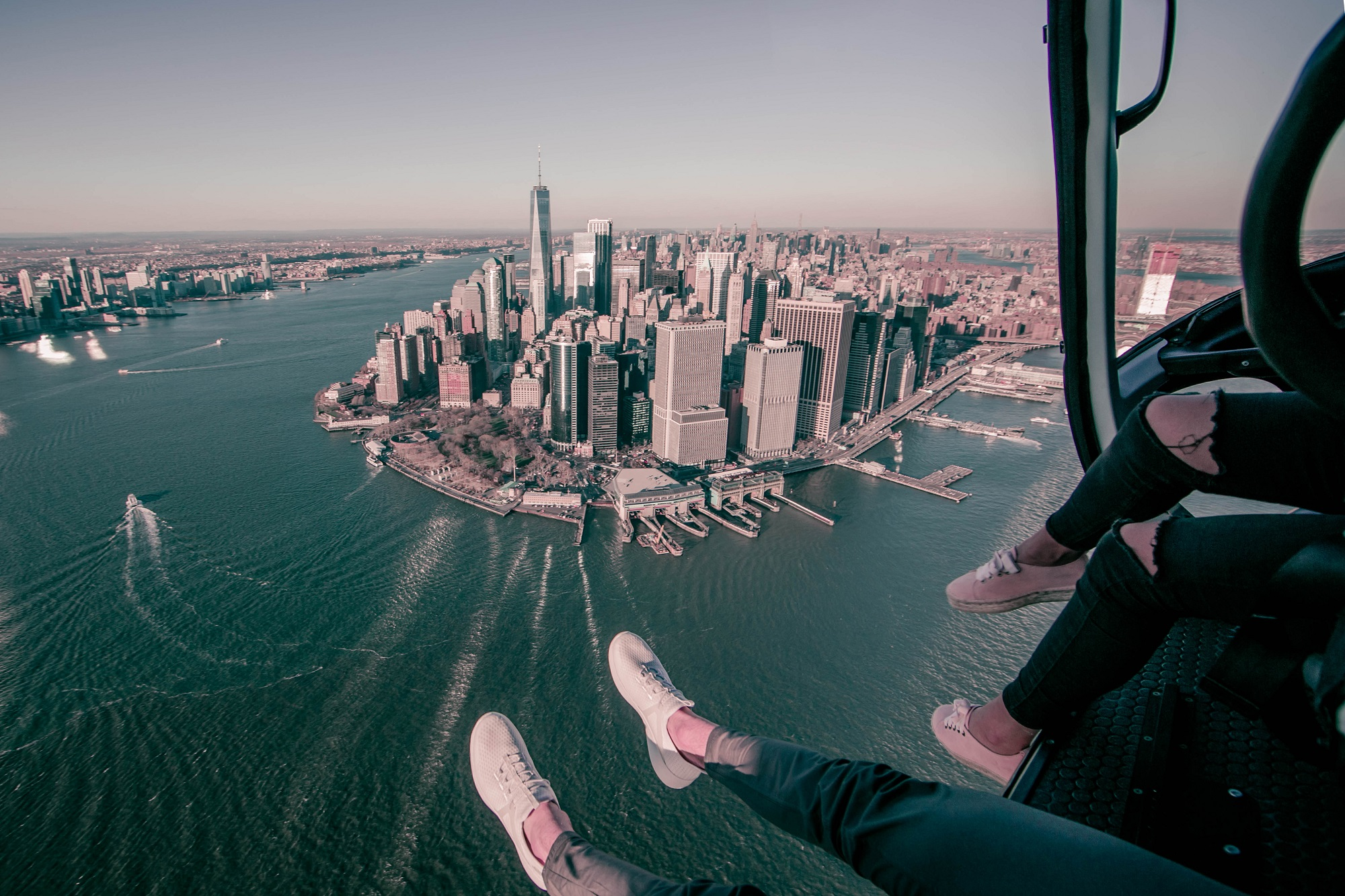 FlyNYON review - NYC helicopter tour & A FlyNYON Review: The Ultimate Doors Off Helicopter Tour over NYC ...